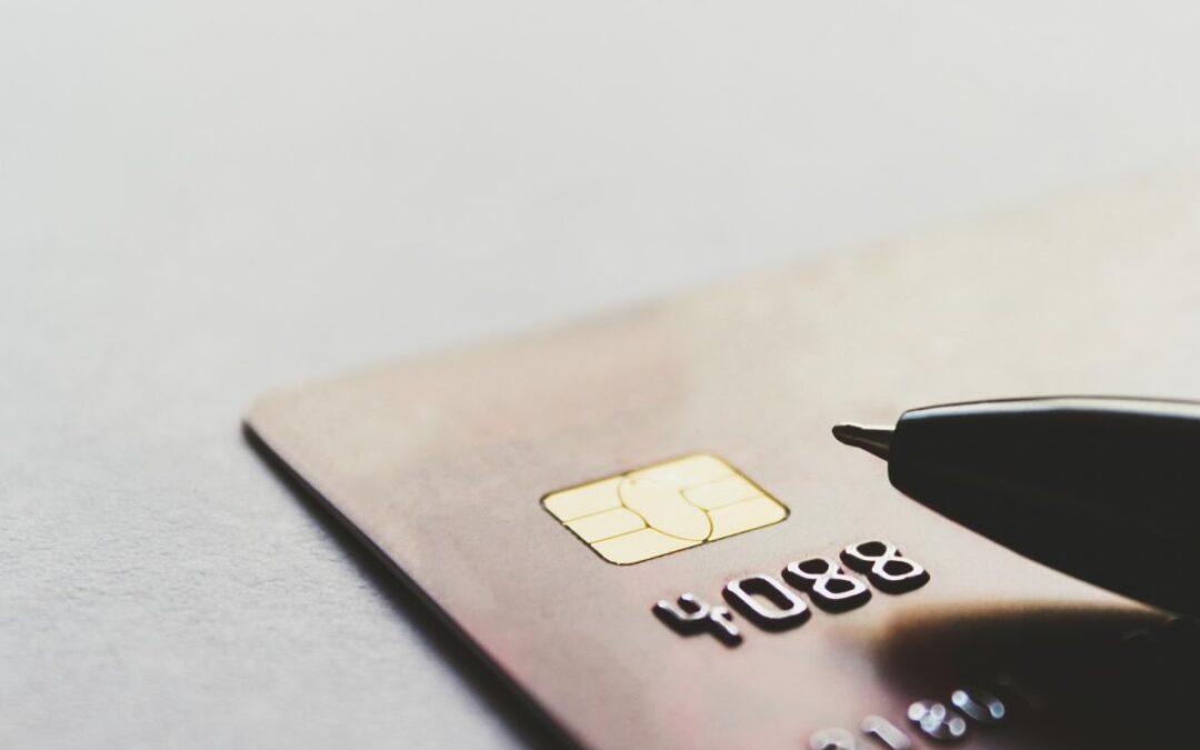 ¿Por qué estamos tan enganchados con el efectivo en la era digital?